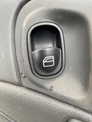 Запчасть кнопка стеклоподъемника задняя правая Mercedes-benz C-Class 2007
