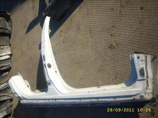 Порог кузова правый Nissan Primera 2001