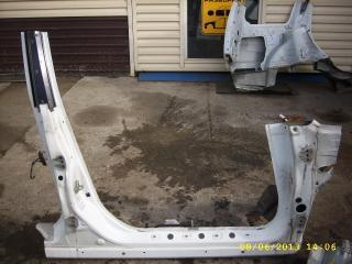 Порог кузова правый Subaru Forester 2002