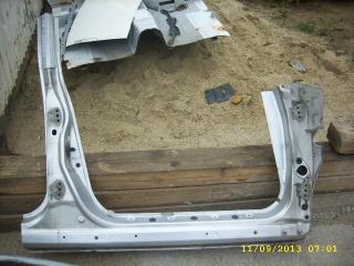 Порог кузова правый Subaru Forester 2001