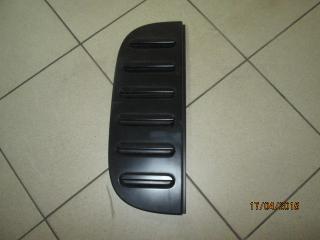 Накладка на крыло задняя правая Nissan Cube 2004