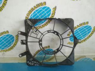 Диффузор радиатора правый Honda Fit 2004
