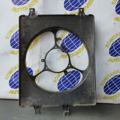 Диффузор радиатора левый Honda Stepwgn 1999
