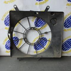 Диффузор радиатора правый Honda Airwave 2007