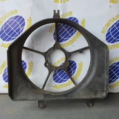 Диффузор радиатора правый Honda Fit 2002