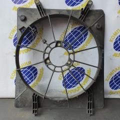 Диффузор радиатора правый Honda Odyssey 2000