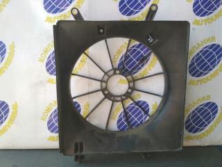 Диффузор радиатора правый Honda Stream 2006
