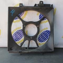 Диффузор радиатора правый Subaru Forester 2001