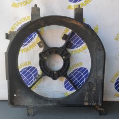 Диффузор радиатора левый Mazda Demio 2001