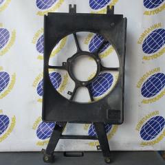 Запчасть диффузор радиатора правый Mazda Bongo Friendee 1999
