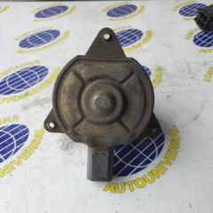 Мотор вентилятора правый Mazda Demio 2001