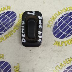 Пульт управления стеклоподъемниками задний левый Mazda Demio 1998
