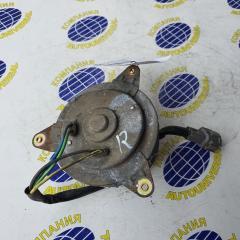 Запчасть мотор вентилятора правый Nissan Avenir 2002