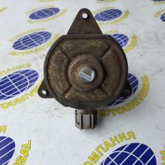 Мотор вентилятора левый Nissan Sunny 2000