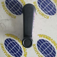 Ручка стеклоподъемника задняя правая Nissan AD 2001