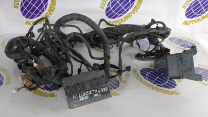 Проводка под капот Nissan Liberty 2000