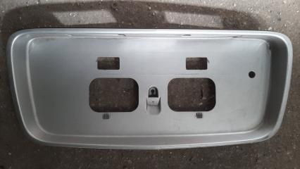 Накладка 5-й двери Nissan Primera 2001