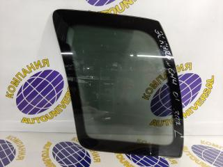 Стекло собачника левое Suzuki Escudo 2001