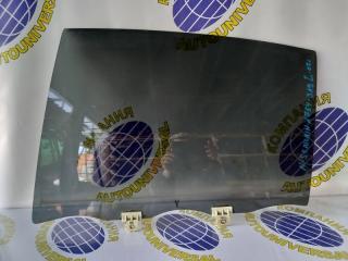 Стекло двери заднее левое Nissan Skyline 2002