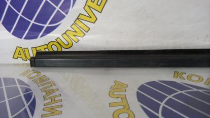 Молдинг двери передний левый YRV 2001 M201G K3
