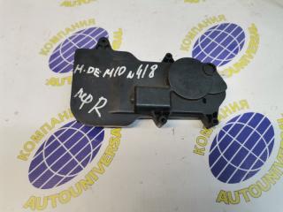 Электроактиватор замка передний правый Mazda Demio 2002