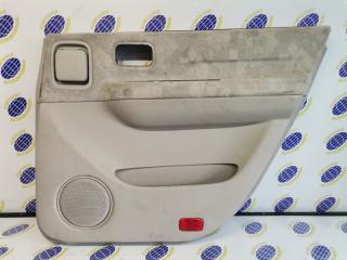 Запчасть обшивка двери задняя правая Nissan Bassara 2001