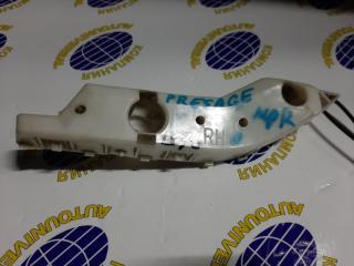 Крепление бампера переднее правое Nissan Pressage 2000