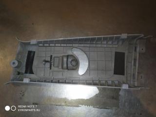 Обшивка стойки B правая Actyon С200
