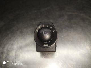Кнопка обогрева сидений правая SsangYong Rexton 2009