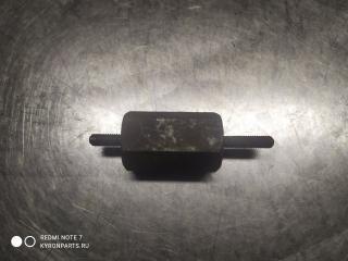 Кронштейн крепления крышки двигателя SsangYong Kyron