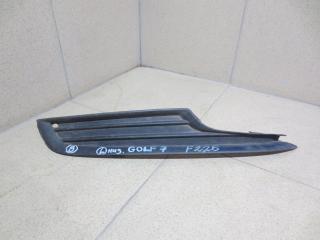 Запчасть решетка в бампер правая Volkswagen Golf