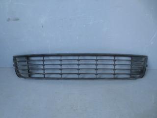 Запчасть решетка в бампер центральная Chevrolet Cruze