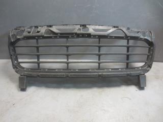 Запчасть решетка в бампер центральная Porsche Cayenne