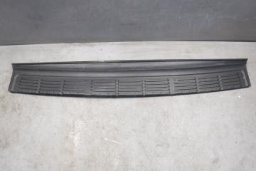 Запчасть накладка заднего бампера Lexus LX570