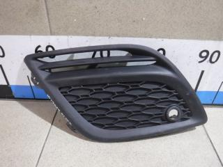 Запчасть решетка в бампер правая Volvo XC60