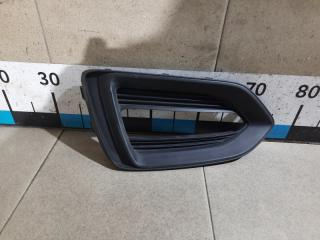 Запчасть решетка в бампер левая Hyundai Solaris
