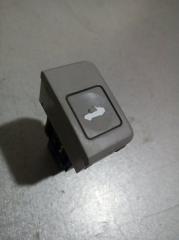 Запчасть кнопка открывания багажника Kia Cerato 2004- 2008
