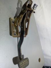 Запчасть педаль тормоза Toyota Allex 2001- 2006