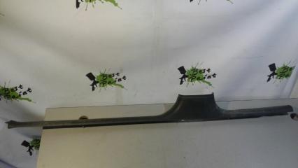 Запчасть накладка на порог (внутренняя) правая Skoda Octavia 1996- 2010