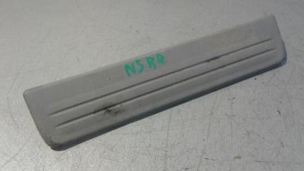Запчасть накладка на порог (внутренняя) задняя правая Nissan Sunny 1998 - 2005