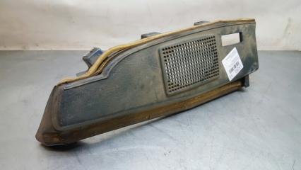 Запчасть обшивка багажника задняя левая Volkswagen Golf 1983-1991