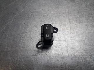 Запчасть кнопка блокировки двери передняя левая Mazda CX 7 2006 - 2012