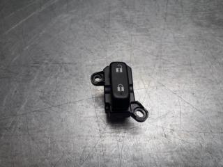 Запчасть кнопка блокировки двери передняя правая Mazda CX 7 2006 - 2012
