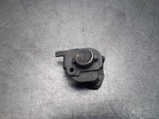 Запчасть личинка замка двери передняя правая Mazda CX 7 2006 - 2012