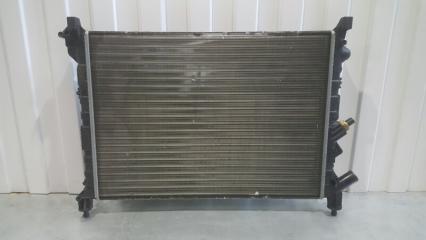 Запчасть радиатор охлаждения двигателя Renault Laguna -2001