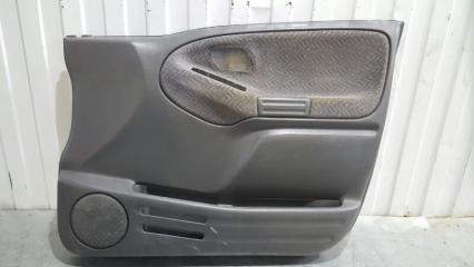 Запчасть обшивка двери передняя правая Suzuki Grand Escudo 2000-2003