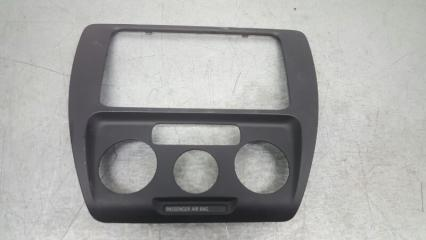 Рамка магнитолы Volkswagen Jetta 2010-2014