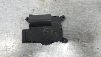 Запчасть моторчик привода заслонки отопителя (печки) Volkswagen Touareg 2002- 2010
