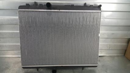 Запчасть радиатор охлаждения двигателя Peugeot 308 2007- 2011