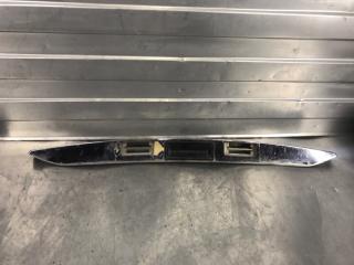 Запчасть накладка крышки багажника Лада Приора 2007-2014